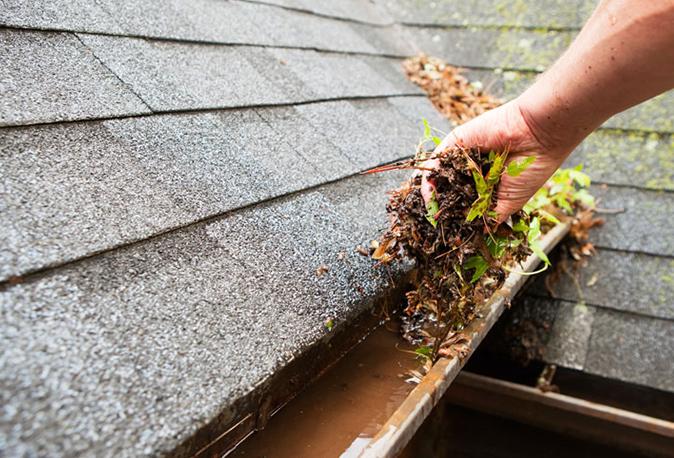 Infiltration d'eau toiture résidentielle