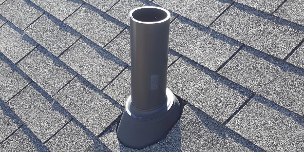 Inspection de toiture - event de plomberie