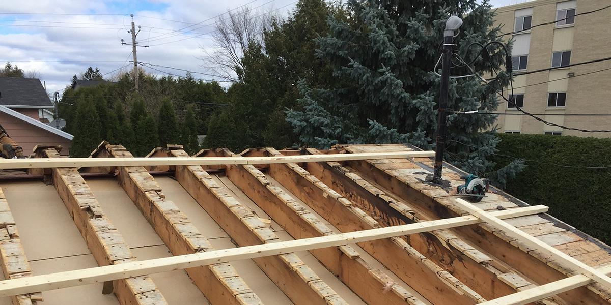 Isolation de toiture à l'uréthane, Québec