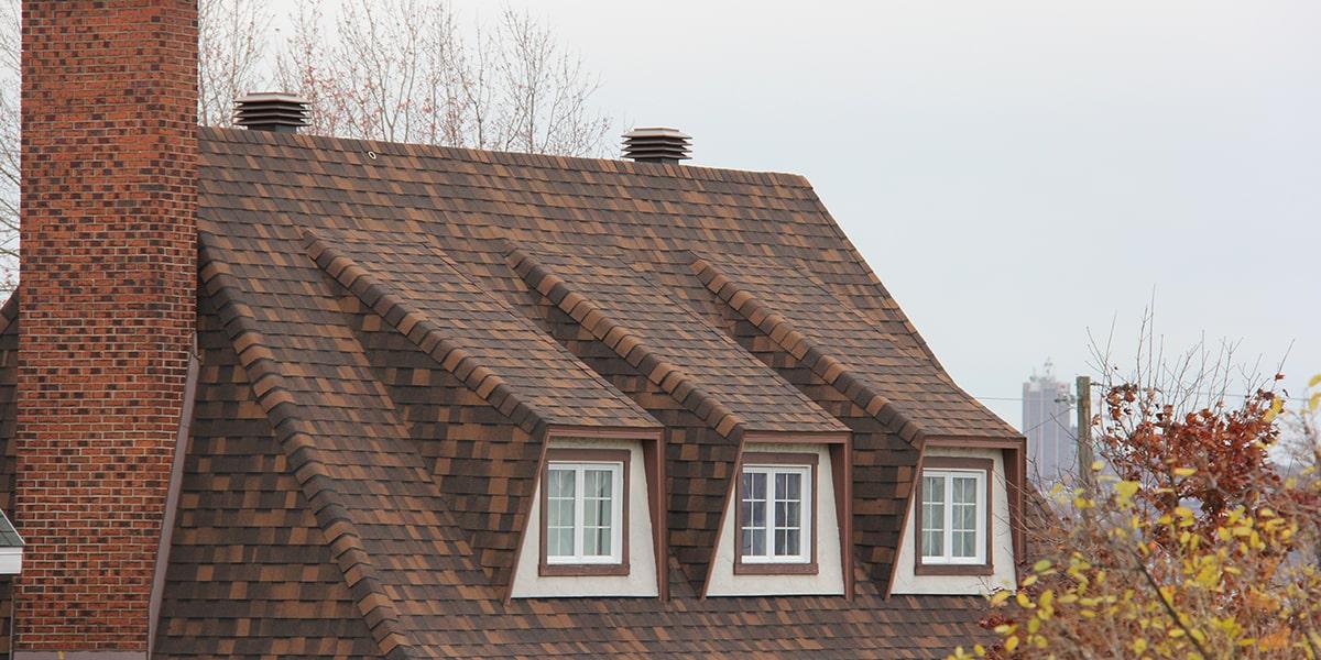Rénovation, toit en pente, Québec